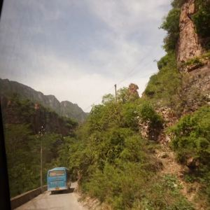 挂壁公路旅游景点攻略图