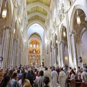阿穆德纳圣母教堂旅游景点攻略图