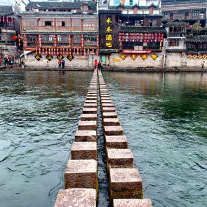 沱江跳岩旅游景点攻略图