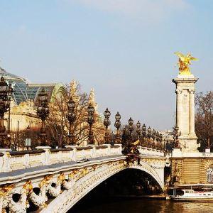 亚历山大三世桥旅游景点攻略图