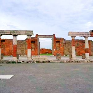 庞贝钟塔旅游景点攻略图