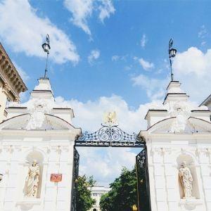 城堡广场旅游景点攻略图