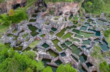 浙江三门有座蛇蟠岛,神秘的采石巨坑群,真实存在的海盗洞穴景区