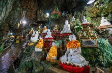 龙门石窟10万尊佛像,而缅甸不知名洞中却藏5万尊,满眼缅甸玉佛