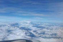 蜀山之王贡嘎山 蜀中拥有众多极高山,其中最为霸气的绝对是蜀山之王贡嘎山。从成都到稻城不到一个小时的空