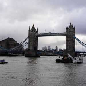 伦敦塔桥旅游景点攻略图