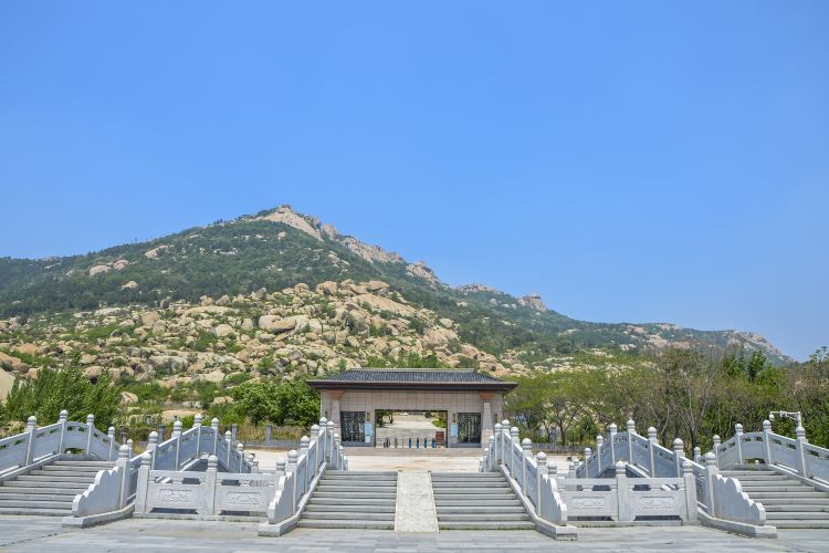 Yi Mountain2