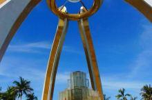 文莱的地标,水晶公园这个像巨钻的建筑,值得去打卡(文莱行10)