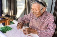 厉害了!苏州黎里遇见一位90岁绣娘,绣了80年,至今仍能穿针引线