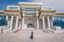 """蒙古国的""""天安门"""",当地最繁华的地方"""