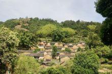 丽水松阳杨家堂村。离县城不远的山里小村。很好的保存了原来的村落布局和房屋结构。依山而建 傍水而居。有