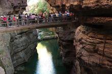 红石峡景区是云台山旅游景点的精华。游览所需要的大致时间:一个半小时左右,全长1500米,红石峡为单行