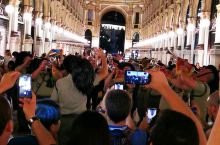 在米兰巧遇意大利博萨里埃军乐团演奏
