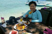 游览蓝梦岛,品尝岛上自助美食,参加海上游艺活动,尝试浮潜!