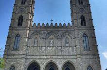 北美最大的教堂 建于1829年 建筑风格与巴黎圣母院可称姊妹 位于蒙特利尔旧城区 教堂内可容纳500