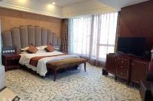 宽敞的房间,舒服的大床,干净的卫生,推荐入住!