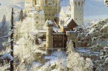 进入梦中的童话世界 德国新天鹅城堡  这里是德国的象征 同时也是迪斯尼城堡的原型 是德国境内受拍照最