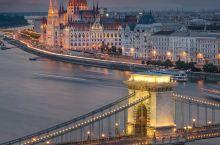 布达佩斯(Budapest) 匈牙利首都,也是该国主要的政治、商业、运输、经济中心和最大的城市。布达