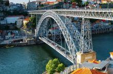 波尔图距海岸仅6公里,为葡萄牙第二大城市。