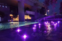 吉隆坡公寓游泳池夜景