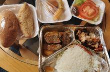 要回广州,但是埃及这边需要在酒店里面住几天才能够乘坐埃及航空的航班,所以就在这边的餐厅吃了好多天,其