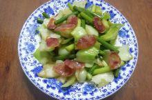青菜梗蒜苔炒腊肠
