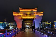 夜色风雨桥