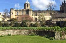 牛津大学的基督堂学院, 16年4月来的的,也算来知名学院打卡 培养首领和主教的学院。 这里是牛津大学