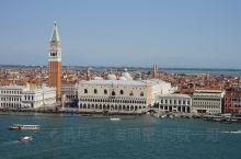 马乔雷教堂是意大利文艺复兴时期知名建筑师怕拉迪欧的一大杰作,于1566年开始建造,直到帕大师1580