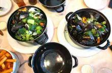 布鲁日的清蒸蛤蜊配香芹 布鲁日·西弗兰德省