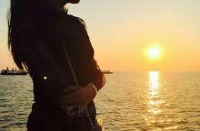 洞里萨湖适合下午四点后去,这时气温不高,还可以看个日落,一船可以坐20多人,碰到都是同龄人大家拍了照