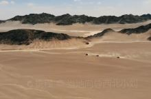 穿越巴丹吉林沙漠
