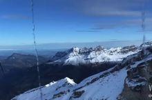 阿尔卑斯雪山脉
