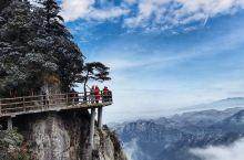 郴州赏雪观雾淞的最佳地方非莽山五指峰不可,这里银装素裹,雾凇 云海 奇峰 异石 暖阳 蓝天!绝对不逊