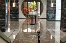 五星级酒店住了不少,在盐城,洲际酒店算是很不错的酒店了,房间特别的舒服,特别是浴袍 很舒服,特别软