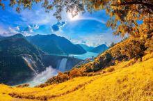 国庆旅行就来香格里拉吧,最美的季节到了!