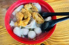 潮州各类小吃不计其数。 元旦有空去了一下美食发源地~潮州,各类小吃简直是吃货的天堂,除了大名鼎鼎的牛