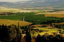 托斯卡纳是意大利一个中部地区,该区首府是佛罗伦萨。托斯卡纳在某种意义上来说,是意大利最美的大区,早己