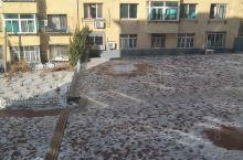 天气转暖,积雪逐渐消融了。