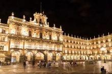 萨拉曼卡大学由莱昂王国国王阿方索九世在1218年创办,这座西班牙最古老的大学,与巴黎大学、牛津大学、