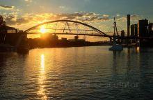 布里斯班河上的日落