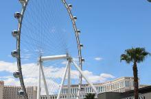 """拉斯维加斯的豪客摩天轮是目前世界上最大的摩天轮,比英国伦敦的""""伦敦眼""""摩天轮高30米,比"""