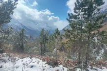 山高坡陡,天气万变。