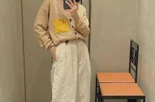 羊毛黄口袋V领开衫