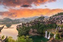 悬挂于瀑布上的千年神奇古镇·芙蓉镇 