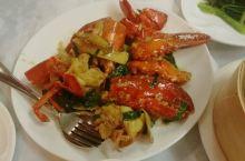 我同学的表妹请我吃广东菜。