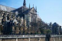 我在巴黎圣母院