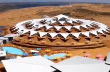 莲花酒店,沙漠中的奇迹