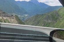 自驾出发拉萨。今天到新都桥。