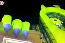 置身童话怪兽世界 打卡蓝色港湾灯光节